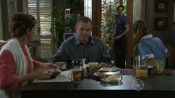 Susan Kennedy, Karl Kennedy, Angus Henderson, Rachel Kinski in Neighbours Episode 5516
