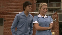 Zeke Kinski, Donna Freedman in Neighbours Episode 5517