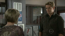 Helen Carr, Dan Fitzgerald in Neighbours Episode 5517