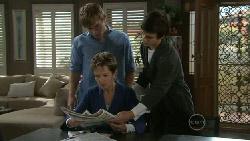 Ringo Brown, Susan Kennedy, Zeke Kinski in Neighbours Episode 5519