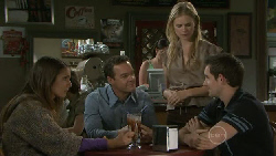 Rachel Kinski, Paul Robinson, Elle Robinson, Angus Henderson in Neighbours Episode 5519