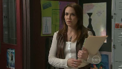 Libby Kennedy in Neighbours Episode 5522