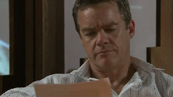 Paul Robinson in Neighbours Episode 5522
