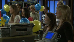 Sienna Cammeniti, Carmella Cammeniti, Libby Kennedy, Steph Scully in Neighbours Episode 5523