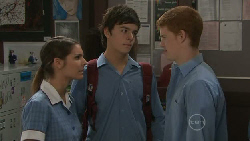 Rachel Kinski, Zeke Kinski, Justin Hunter in Neighbours Episode 5524