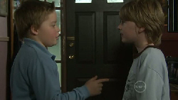 Callum Jones, Mickey Gannon in Neighbours Episode 5530