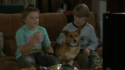 Callum Jones, Bronte, Mickey Gannon in Neighbours Episode 5530