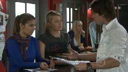 Rachel Kinski, Donna Freedman, Ty Harper in Neighbours Episode 5532