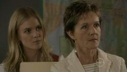 Elle Robinson, Susan Kennedy in Neighbours Episode 5532