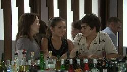 Libby Kennedy, Rachel Kinski, Zeke Kinski in Neighbours Episode 5533