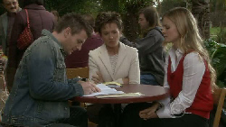 Pete Ferguson, Susan Kennedy, Elle Robinson in Neighbours Episode 5533