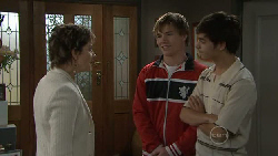 Susan Kennedy, Ringo Brown, Zeke Kinski in Neighbours Episode 5534