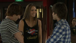 Logan Ellis, Sienna Cammeniti, Ty Harper in Neighbours Episode 5537