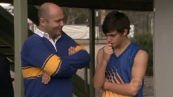 Steve Parker, Zeke Kinski in Neighbours Episode 5540
