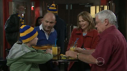 Mickey Gannon, Steve Parker, Miranda Parker, Lou Carpenter in Neighbours Episode 5540