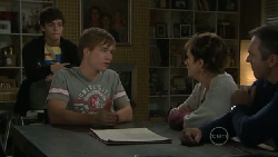 Zeke Kinski, Ringo Brown, Susan Kennedy, Karl Kennedy in Neighbours Episode 5541