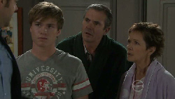 Matt Freedman, Ringo Brown, Karl Kennedy, Susan Kennedy in Neighbours Episode 5541