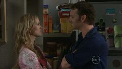 Elle Robinson, Lucas Fitzgerald in Neighbours Episode 5544