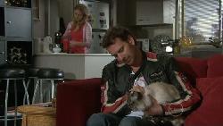 Elle Robinson, Lucas Fitzgerald, Cat in Neighbours Episode 5544