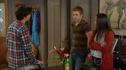 Zeke Kinski, Ringo Brown, Sunny Lee in Neighbours Episode 5822
