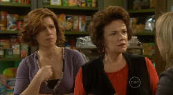 Rebecca Napier, Lyn Scully, Steph Scully in Neighbours Episode 5822