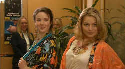 Kate Ramsay, Donna Freedman in Neighbours Episode 5822