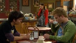 Zeke Kinski, Sunny Lee, Ringo Brown in Neighbours Episode 5823