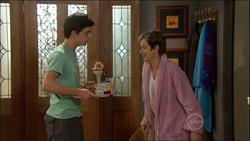 Zeke Kinski, Susan Kennedy in Neighbours Episode 5827