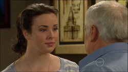 Kate Ramsay, Lou Carpenter in Neighbours Episode 5827