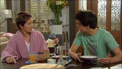 Susan Kennedy, Zeke Kinski in Neighbours Episode 5827