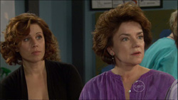 Rebecca Napier, Lyn Scully in Neighbours Episode 5827