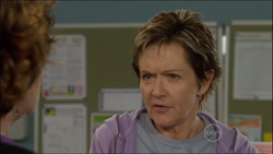 Lyn Scully, Susan Kennedy in Neighbours Episode 5827