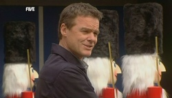 Paul Robinson in Neighbours Episode 5833