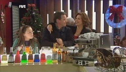 Sophie Ramsay, Paul Robinson, Rebecca Napier in Neighbours Episode 5833