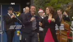 Paul Robinson, Rebecca Napier in Neighbours Episode 5833