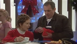 Susan Kennedy, Karl Kennedy in Neighbours Episode 5835