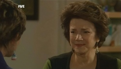 Susan Kennedy, Lyn Scully in Neighbours Episode 5835