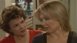 Lyn Scully, Steph Scully in Neighbours Episode 5836
