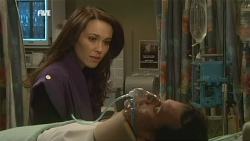 Libby Kennedy, Lucas Fitzgerald in Neighbours Episode 5836