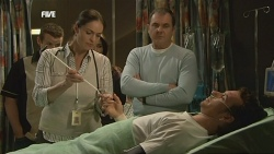 Toadie Rebecchi, Dr. Peggy Newton, Karl Kennedy, Lucas Fitzgerald in Neighbours Episode 5836