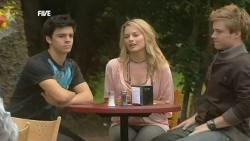 Zeke Kinski, Donna Freedman, Ringo Brown in Neighbours Episode 5838