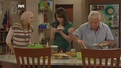 Donna Freedman, Kate Ramsay, Lou Carpenter in Neighbours Episode 5839