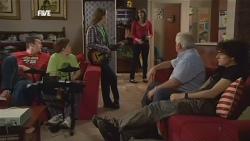 Toadie Rebecchi, Callum Jones, Sophie Ramsay, Kate Ramsay, Lou Carpenter, Harry Ramsay in Neighbours Episode 5839