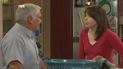 Lou Carpenter, Kate Ramsay in Neighbours Episode 5839