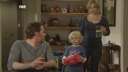 Lucas Fitzgerald, Charlie Hoyland, Steph Scully in Neighbours Episode 5840