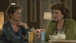 Susan Kennedy, Lyn Scully in Neighbours Episode 5840