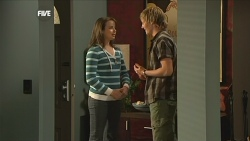 Kate Ramsay, Andrew Robinson in Neighbours Episode 5841