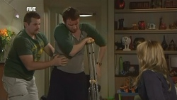 Toadie Rebecchi, Lucas Fitzgerald, Steph Scully in Neighbours Episode 5841