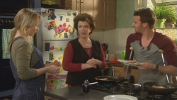 Steph Scully, Lyn Scully, Lucas Fitzgerald in Neighbours Episode 5842
