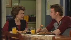 Lyn Scully, Lucas Fitzgerald in Neighbours Episode 5842